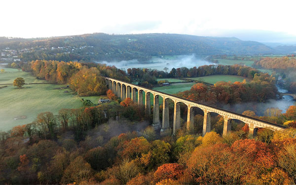 Top 10 Autumn canal boat holiday destinations