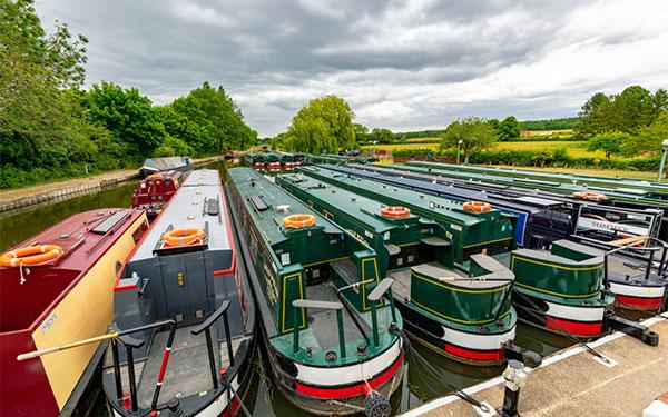 An extraordinary narrowboat hire season